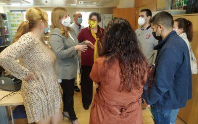 La diputada de Juventud visita las instalaciones del grupo social ONCE y se reúne con jóvenes de esta entidad