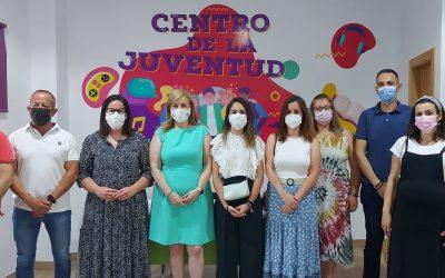 Pilar Lara participa en la inauguración del Centro de la Juventud de Fuensanta de Martos