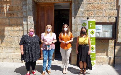 Pilar Lara aborda con la alcaldesa de Los Villares proyectos de Diputación en materia de juventud